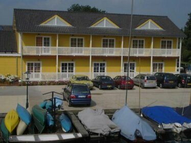 Jachthaven & Motel Borger