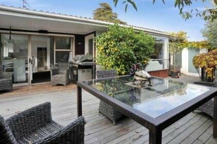Leinster Villa - Christchurch Holiday Homes