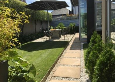 The Gardener's Cottage - Villa Apartment - Christchurch