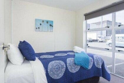 Stylish In Strandon - Great Value Apartment
