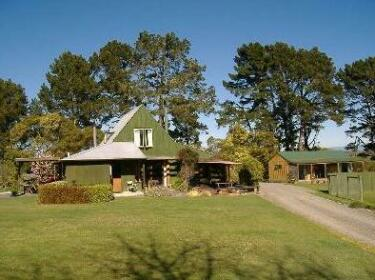 Whinfield Farm Thompson Host Bed & Breakfast Napier