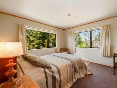 Woodland Grove - Lake Taupo Holiday Home