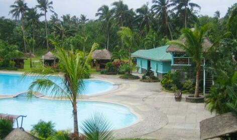 La Leona Resort