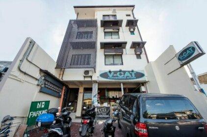 OYO 490 V-cat Apartelle