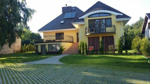Villa Jura Pokoje Goscinne