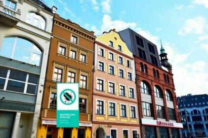 DUKES Hostel - Old Town