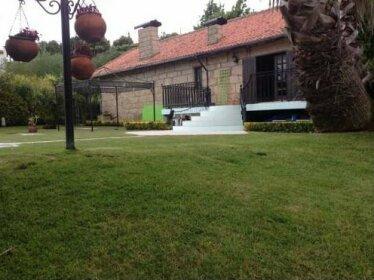 Casa da Fonte Parada de Todeia