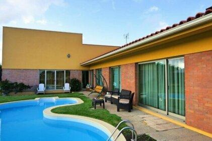 House w/ pool near Povoa de Varzim