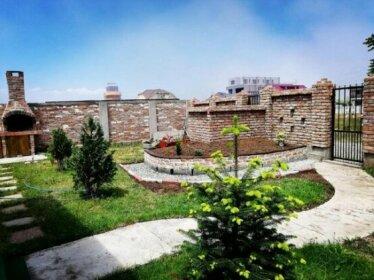 Casa Alba Navodari