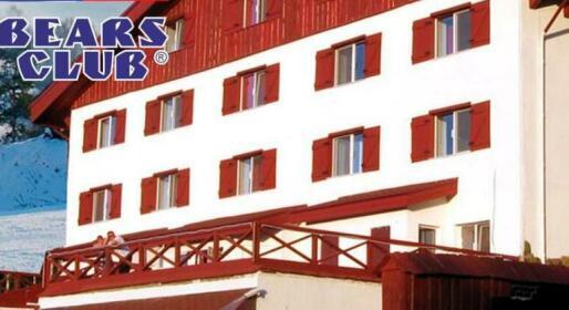 33 Bears Hotel