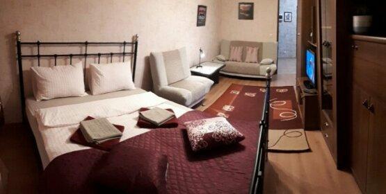 Na Kubanskoi 47 Cheriomushki-1 Apartments