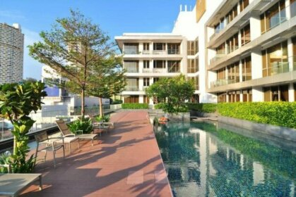 Two Bedroom in Chinatown above MRT