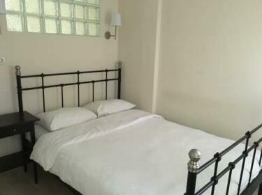 Kinzi Suites