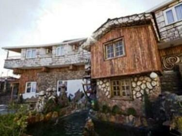 Velic Village Kirevleri
