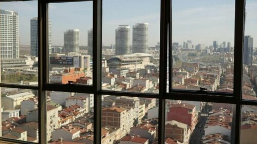 Cozy 2+1 city view 5 min walk to mall of Istanbul
