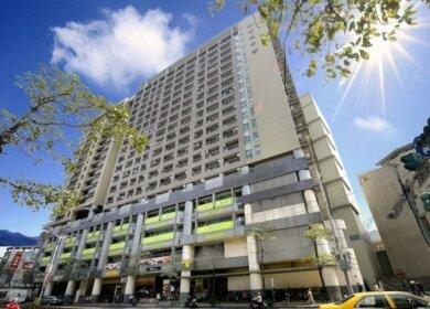 Park City Inn & Hostel