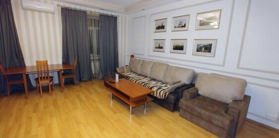Two bedrooms 4 Mykhailivskyi Lane Centre of Kiev