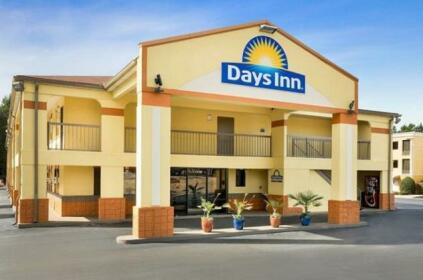 Days Inn by Wyndham Acworth
