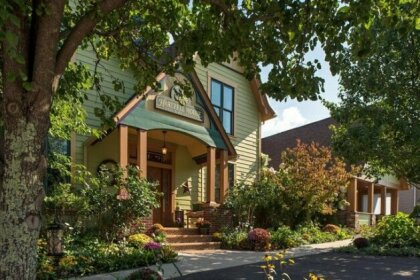 Hartzell House Bed and Breakfast