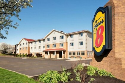 Super 8 by Wyndham Akron S Green Uniontown OH