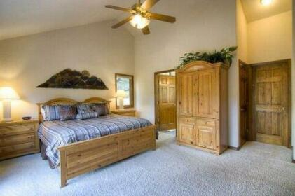 HO 42 Three-bedroom Holiday Home