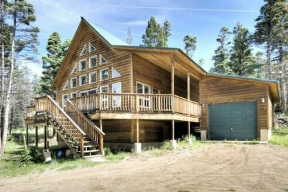 Mountain Aire Three-bedroom Holiday Home