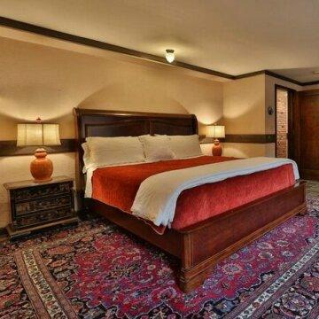 Stone Chalet Bed & Breakfast Inn