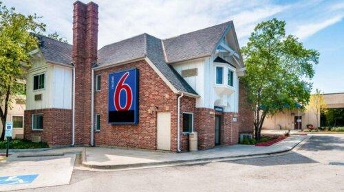 Motel 6 Chicago North Central - Arlington Heights