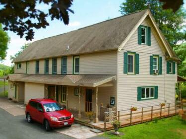 Catskill Maison Bed and Breakfast