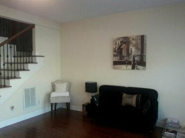 Homestay - Gorgeous New Townhouse