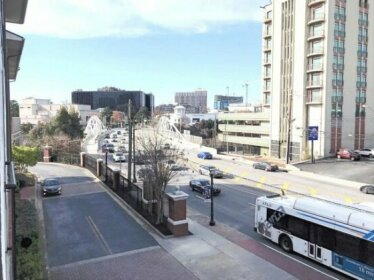 Luxe One on Peachtree -City View Free Parking S24
