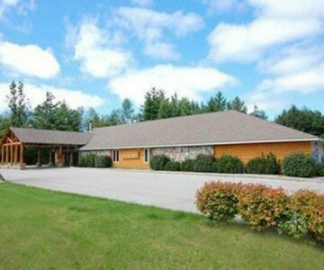 The Pinewood Lodge