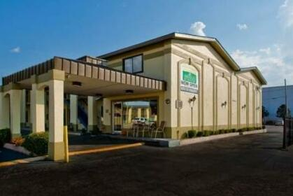 Budgetel Inn & Suites Downtown
