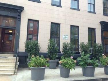 902 St Paul Street Apartments