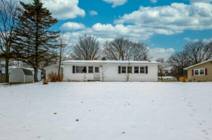Spacious Bangor Home Great For Large Groups