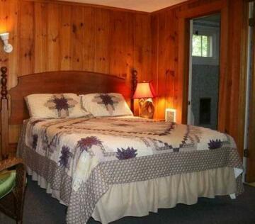 Hinckley's Dreamwood Cottages