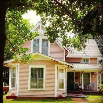 Rose Cottage Baxter Springs