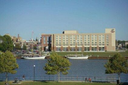 DoubleTree by Hilton Bay City - Riverfront