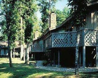 Escapes to Bella Vista Village