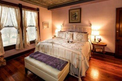 Weller Haus Bed Breakfast & Event Center