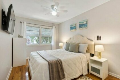 Close to NYC King Bed Free Parking