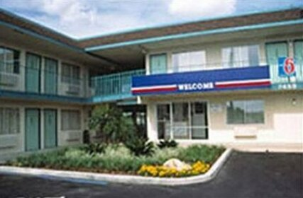 Motel 6 Kansas City East Blue Springs