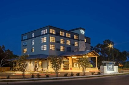 The Bevy Hotel Boerne A Doubletree By Hilton
