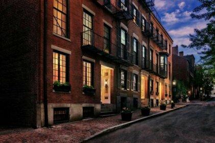 Charming & Stylish Studio on Beacon Hill 15