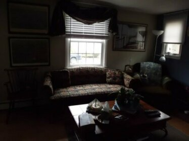Homestay - Friendly home near Boston