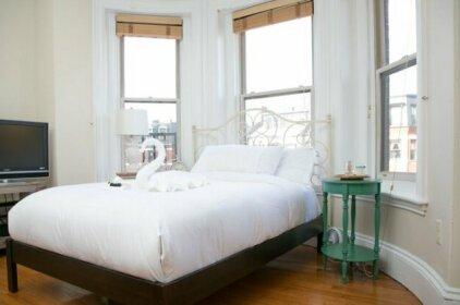 Pleasant Back Bay Suites by Sonder Boston