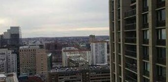 West End 30th Floor Luxury One Bedroom Apartment by Spare Suite