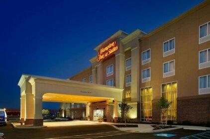 Hampton Inn & Suites - Buffalo Airport