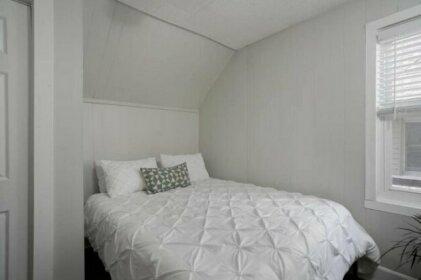 Modern and bright Elmwood Village loft