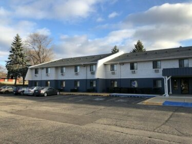 Burnsville Inn & Suites Burnsville